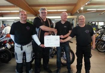 Geldspende von Zweiradtechnik Peter Arimond